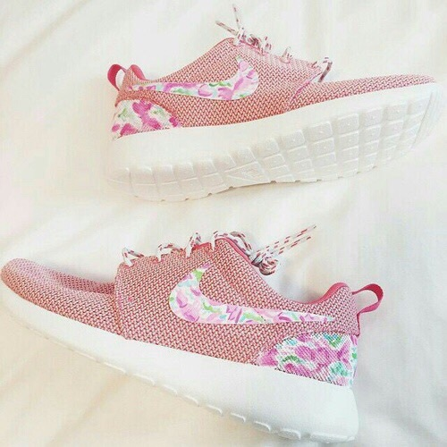 Elegant  Nike Shoes Womens Roshe Runs Nike Running Shoes Nike Nike Shoes Tumblr