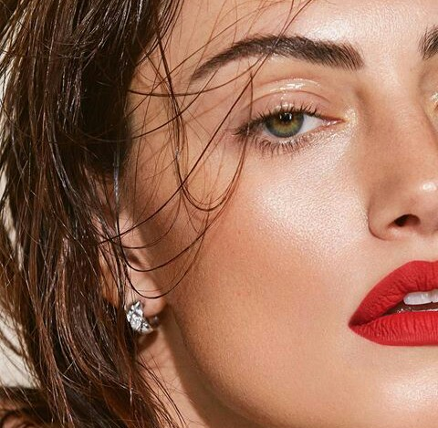 eyes, red lips, jewelry and green eyes