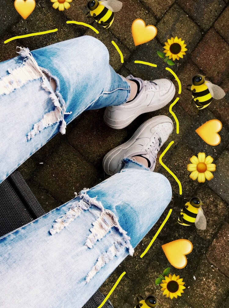 bee, create snapchat, denim and flowers