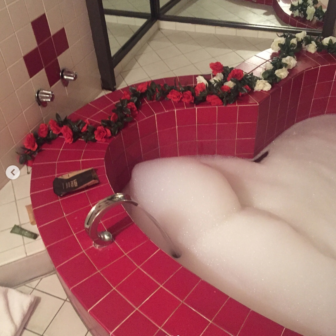 bathtub, cute and love