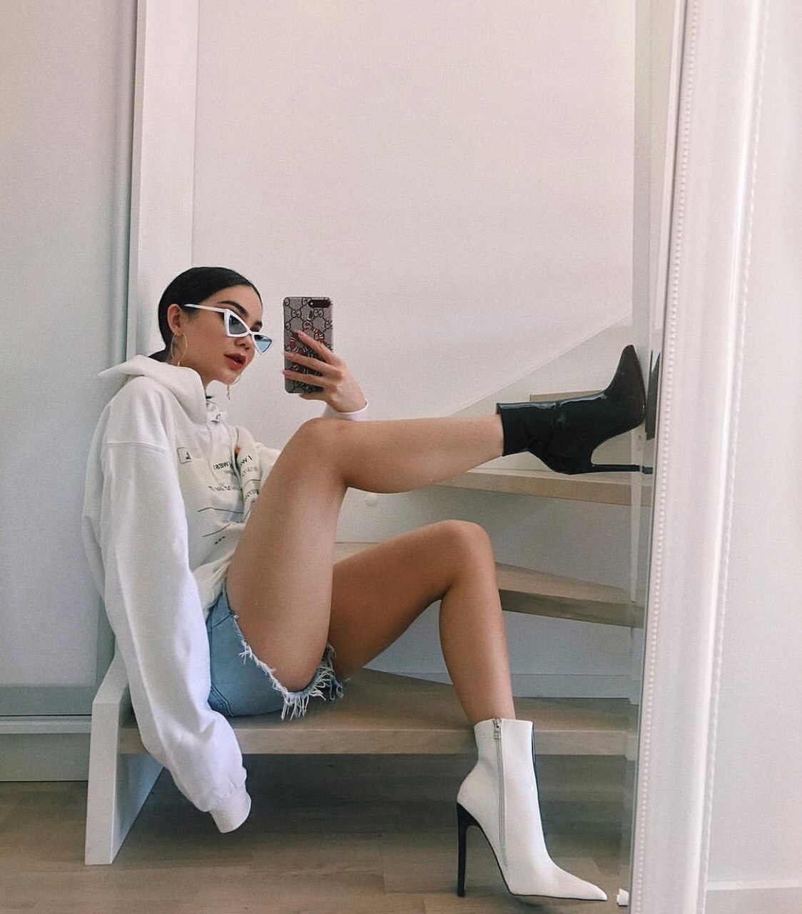 blackandwhiteboots, jeansshorts, shortjeans and outfits