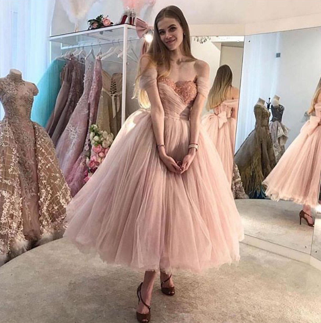 Couture, Queen, dress and dresses