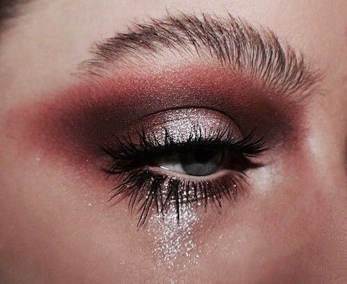 bronzé, eyeshadow, girl and gold