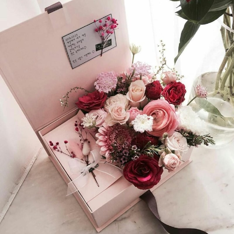 rose, beauty, box and ?????
