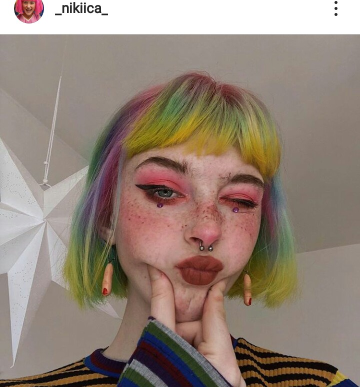 colored hair, short hair, hair color and makeup