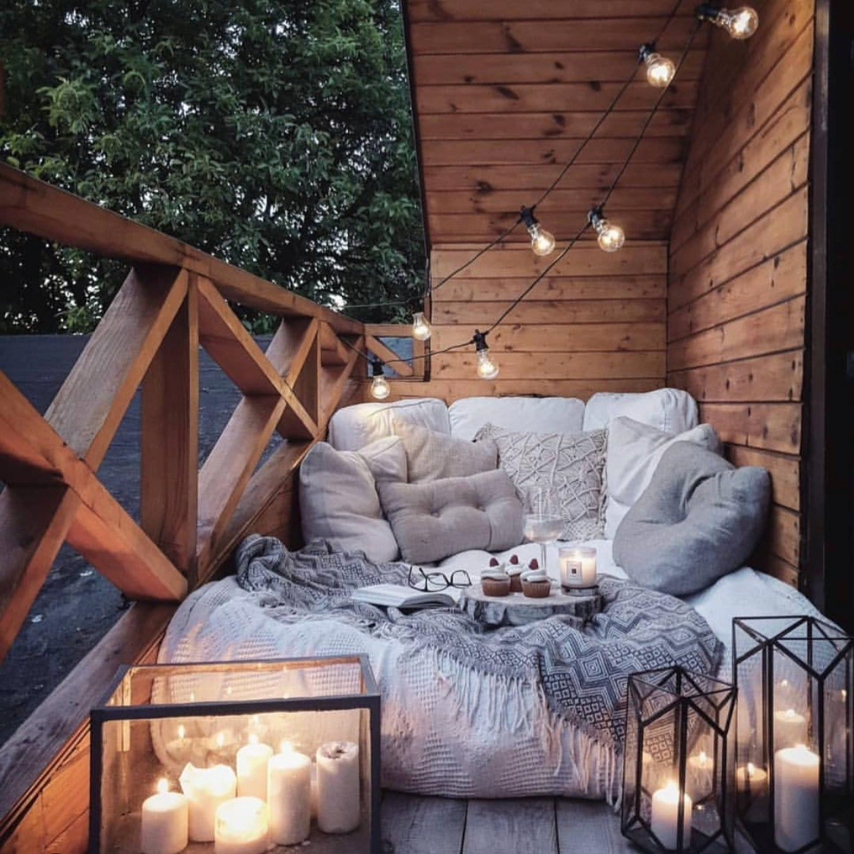 candles, balcony, champagne and sofa