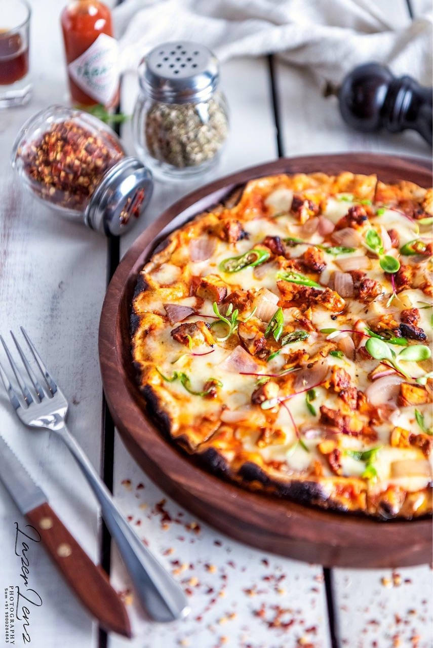 food and pizza