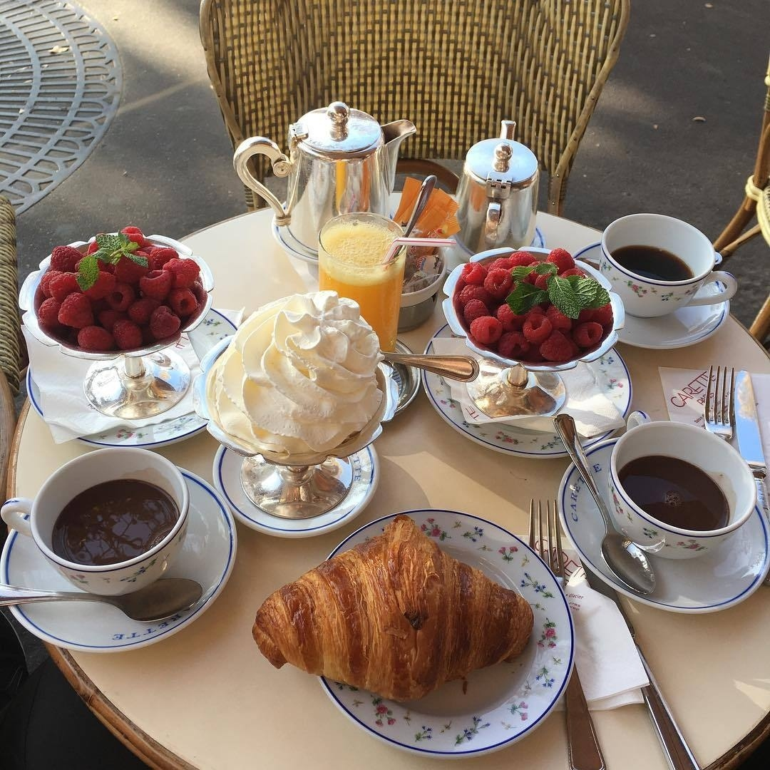 aesthetic, croissant, desserts and drinks