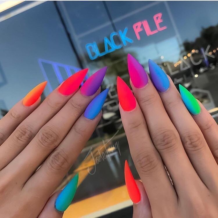 nails, ?, colorful and ?