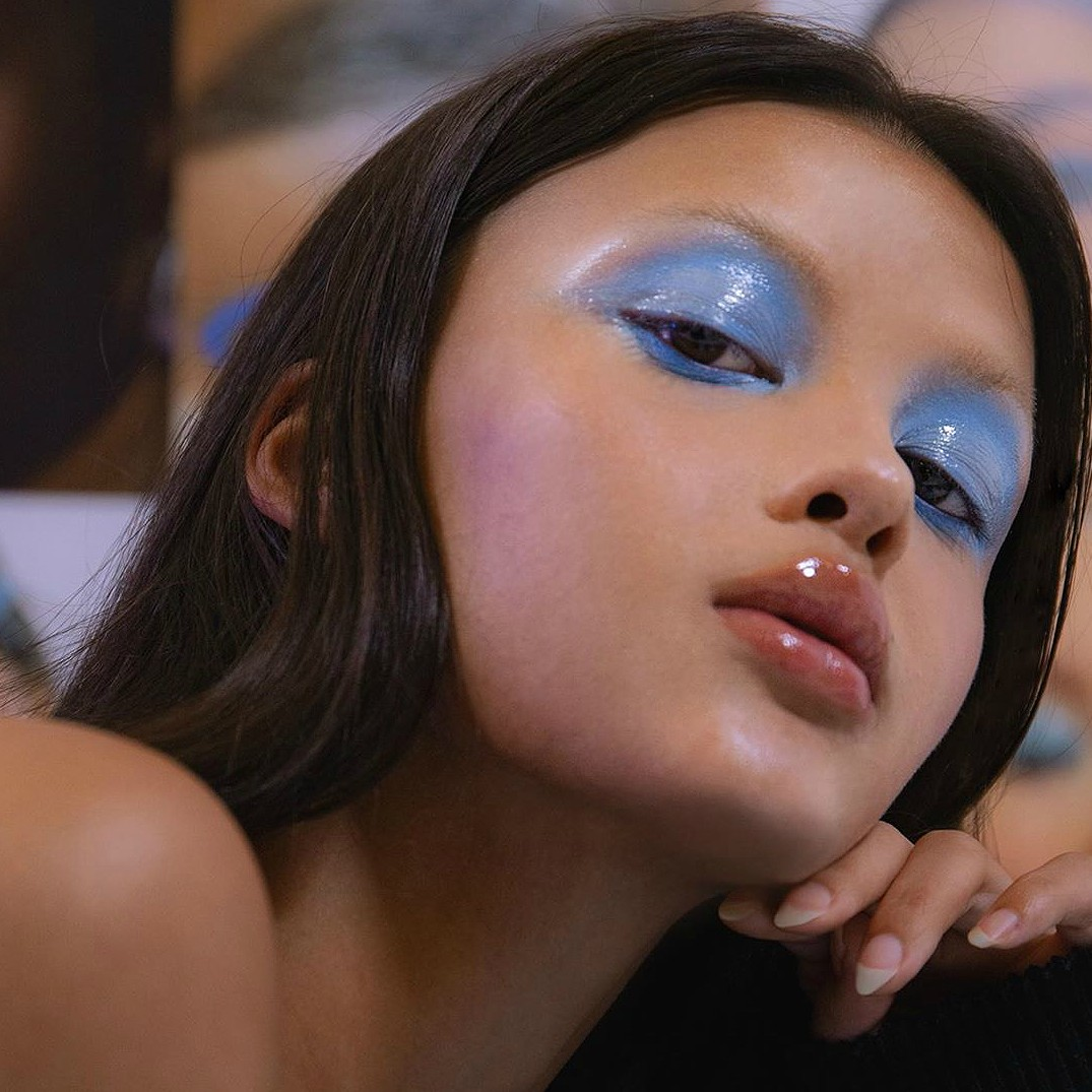 theme, alternative, pale and glossy