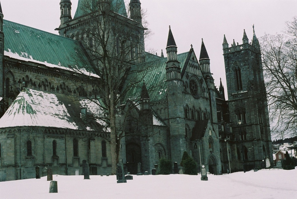 winter, city, green and gothic