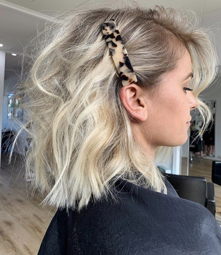 waves, hair accesories, blonde and short hair